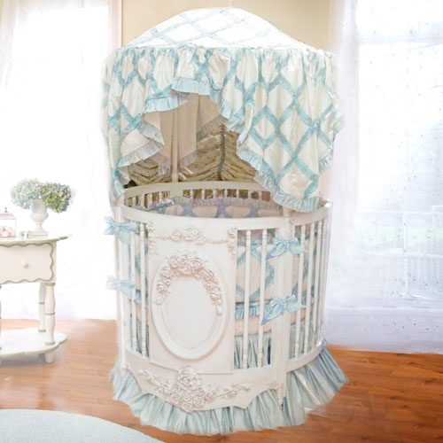 Bella Rose Round Crib