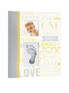 Little Blossoms by Pearhead Vintage Five Year Memory Book with an Included Clean-Touch Pad